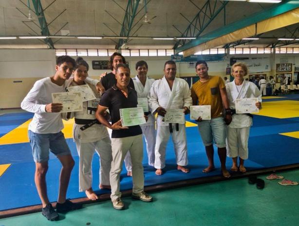 Remise de diplômes au kagami biraki pour nos ceintures noires et bénévoles du jco974.